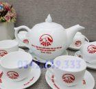 Ấm chén quà tặng in logo AIA- Quà tặng khách hàng ngày 20 tháng 10
